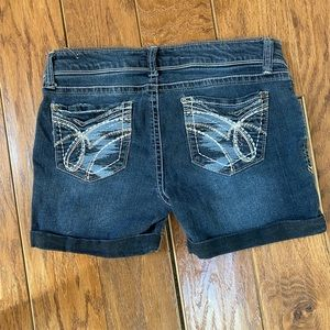 Truce jean shorts very good condition